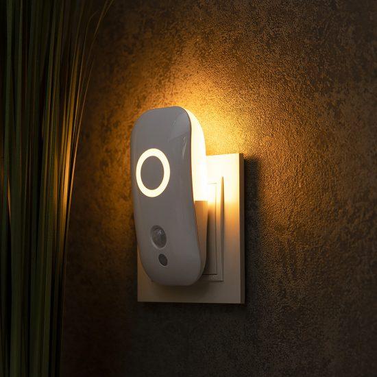 Müller Licht 400072 éjszakai LED lámpa mozgásérzékelővel, alkonykapcsolóval 1,8W 1500K