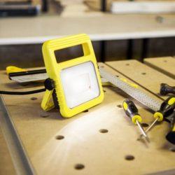 Lutec 7629701341 Utin 11W 5000K 1040lm IP54 hordozható LED munkalámpa